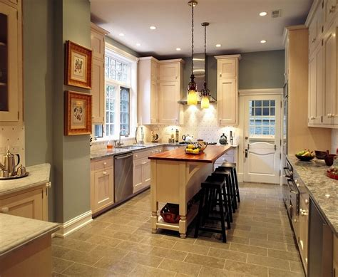 what color to paint kitchen island with oak cabinets