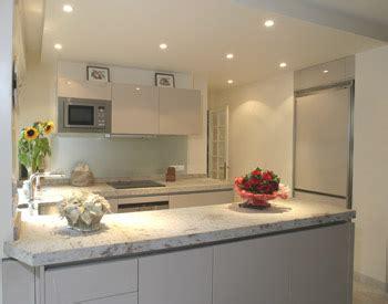 plan de cuisine granit plan de travail amenagement cuisine avec la marbrerie des