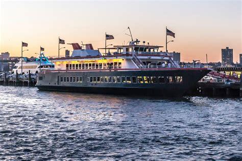 hudsons  world yacht  pier