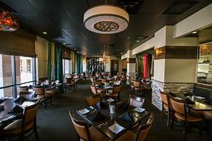 Club sandwich picture of 1818 chophouse edwardsville for Interior decorators edwardsville il