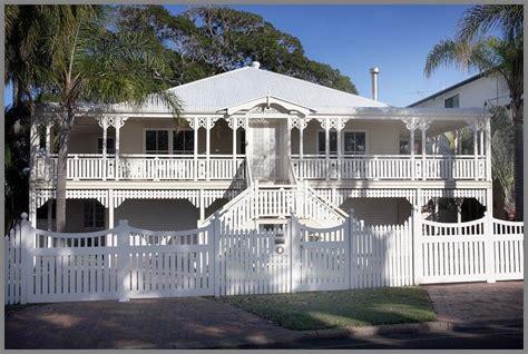 white  white queenslander queenslander house