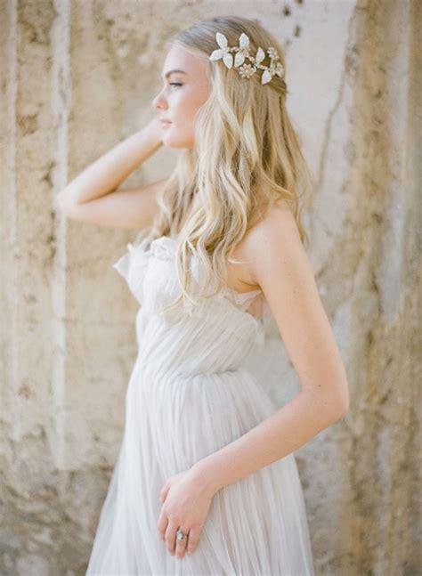 preciosos peinados  novias  coronas florales bodas