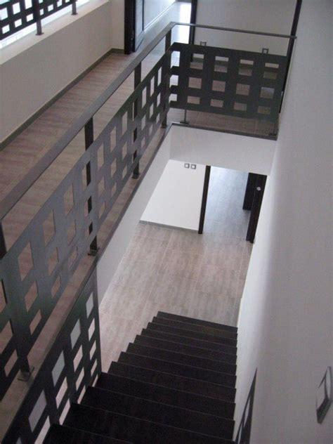 escalier canasta marche encastre bois et acier escalier