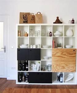 Ikea Kallax Hack : different ways to use style ikea 39 s versatile expedit shelf ~ Markanthonyermac.com Haus und Dekorationen
