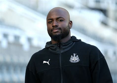 Newcastle fans react as defender Jetro Willems would ...