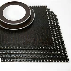 Modern Table Runners and Placemats