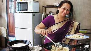 Homemaker cooks up change for men in India′s kitchens ...