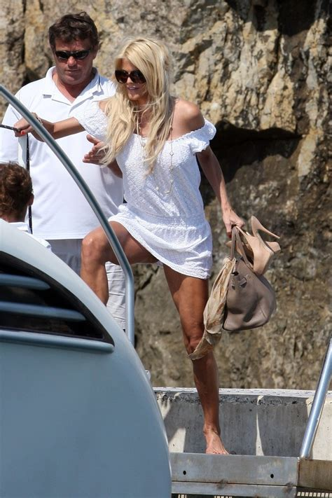 Victoria silvstedt upskirt photo   Naked photo