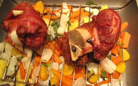 cuisiner un jarret de porc recette jarret de porc aux petits légumes 750g