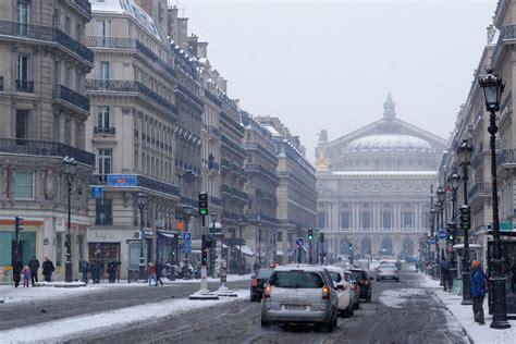 bureau de change avenue de l op a climate season guide best to visit
