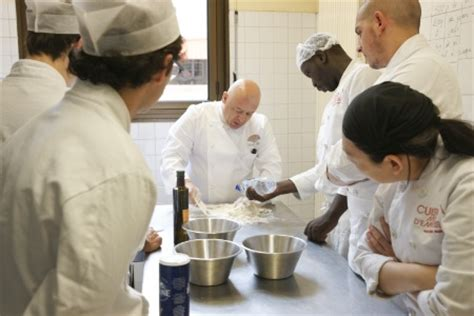 cuisine mode d emploi thierry marx crée une formation gratuite et qualifiante