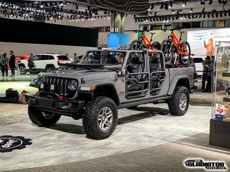 Jeep Jt 2020 by Mopar Accessorized 2020 Jeep Gladiator In Sting Gray