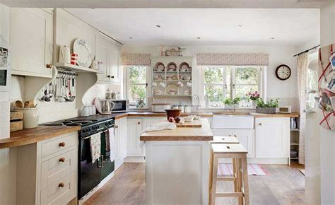 traditional country kitchen 16 traditional country kitchen ideas period living 2894