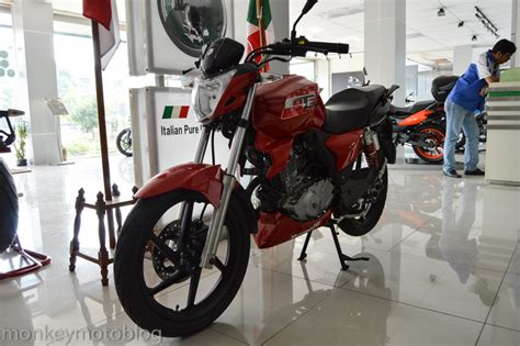 Benelli Tnt 15 Backgrounds by Penakan Benelli Tnt150 Di Dealer Benelli Made In