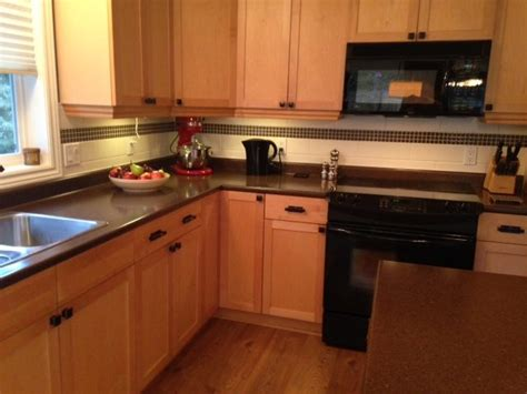 pictures of kitchens with maple cabinets our painted maple cabinets 2 years later 9123