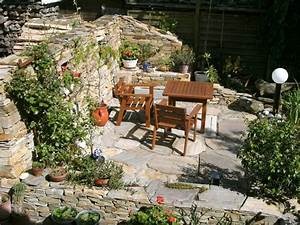 Terrasse Tiefer Als Garten : steinmauer als blickfang und sichtschutz im garten 40 ideen ~ Bigdaddyawards.com Haus und Dekorationen
