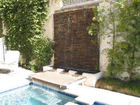 Amazing Walls by 49 Amazing Outdoor Water Walls For Your Backyard Digsdigs