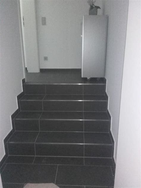 Fliesen Für Treppen Innen by Referenzen Treppenfliesen F 252 R Innen Au 223 En Im Raum