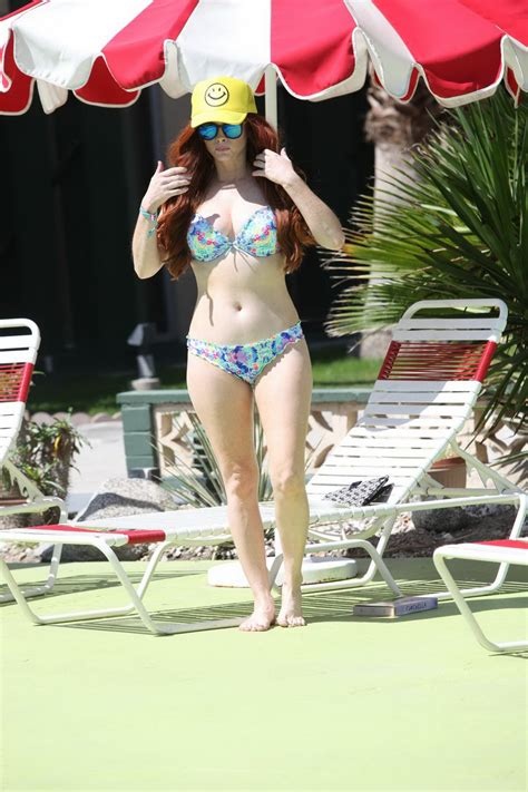 Phoebe Price showing off her curvy milky body in colorful ...