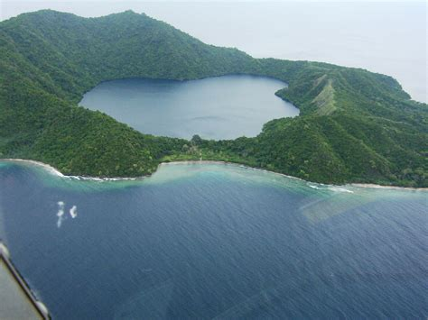 pulau satonda uniknya sebuah danau misterius di nusa