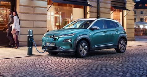 Edmunds also has hyundai kona electric pricing, mpg, specs, pictures, safety features, consumer reviews and more. New 2021 Hyundai Kona Electric Colors, Lease, Range | 2021 ...