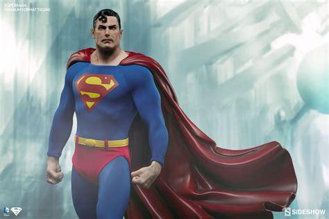 Premium Format Superman Figure