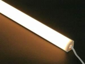 Led Lichtleiste Outdoor : xq led lichtleiste 2700k warmwei 240lm f r eckmontage homogenes lichtband dreiecksprofil ~ One.caynefoto.club Haus und Dekorationen