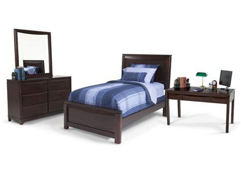 Bob S Discount Furniture Bedroom by Greenville 7 Bedroom Set With Desk