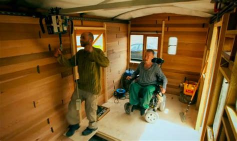 Man In Wheelchair Builds Mobile Home On George Clark's