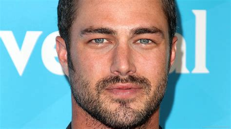 pictures  taylor kinney pictures  celebrities