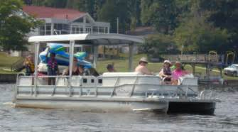 Deck Boat Vs Pontoon Boat by Deck Boat Vs Pontoon What Are The Differences Nada
