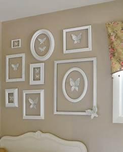 Leere Bilderrahmen Dekorieren : decoraci n con marcos vac os decorar hogar ~ Markanthonyermac.com Haus und Dekorationen