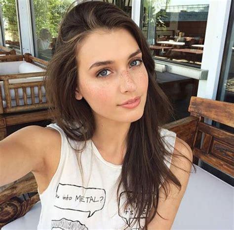 Naturally Beautiful Girls 48 Pics