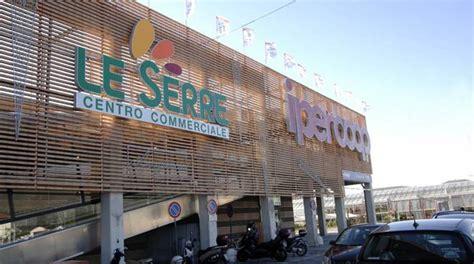 Centro Commerciale Il Gabbiano Savona Orari Saldi Parte La Corsa All Affare Anche Nei Centri