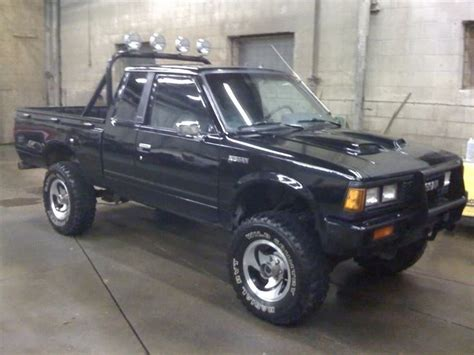 Datsun Trucks For Sale by 1983 Datsun 720 4x4 For Trade Datsuns For Sale Wanted
