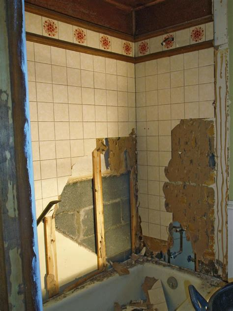 budget friendly bathroom makeovers  rate  space diy