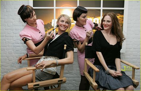 Full Sized Photo of cameron diaz drew barrymore wax museum ...