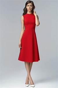quelle couleur de chaussures porter avec une robe rouge With le clos de la robe