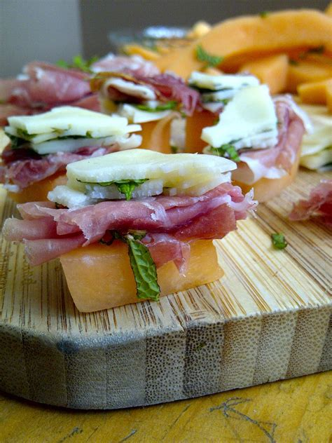 soliloquy  food  prosciutto melon herbed provolone