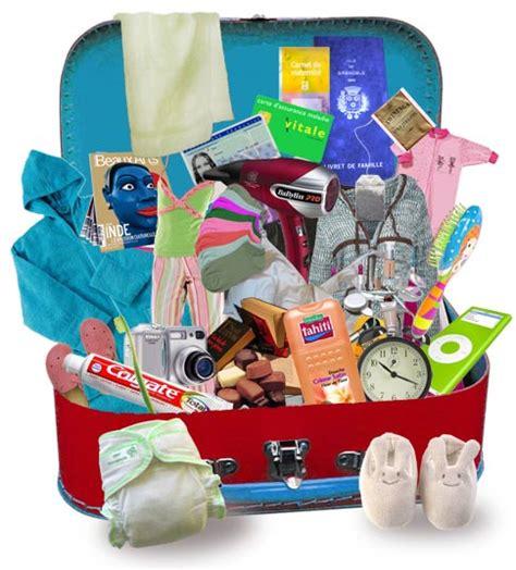 valise maternit 233 pr 233 parer l indispensable v 234 tements maman b 233 b 233 trousse de toilette livret de