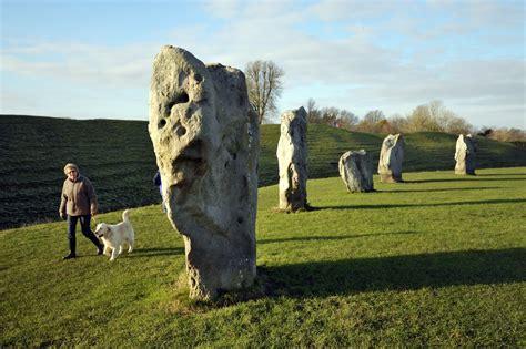 stonehenge begins  yield  secrets   york times
