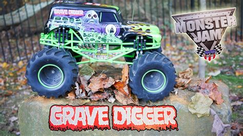 Playing With Monster Jams Grave Digger Remote Control