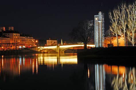 au bureau chalon sur saone chalon sur sa 244 ne la nuit f22 20s 200iso panorama entier au http www fotolia id 11233493