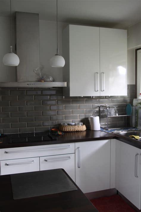 cuisine gris et noir cuisine indogate armoires de cuisine moderne idees blanc