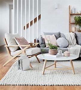 les 25 meilleures idees de la categorie coussins With tapis yoga avec plaid canapé noir et blanc