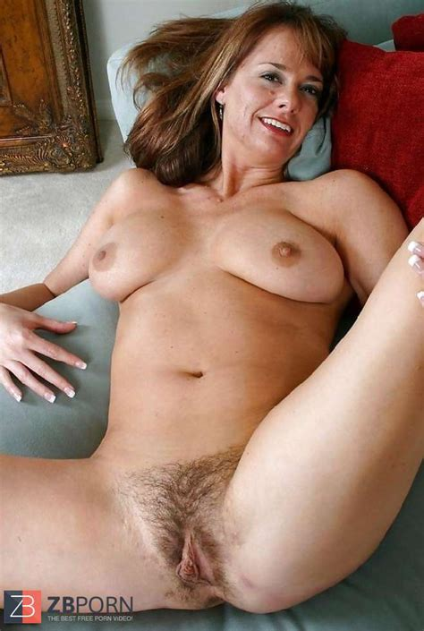 Nude Mature Fur Covered Slit ZB Porn
