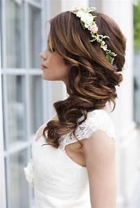 Couronne De Fleurs Cheveux Mariage : coiffure mariage 2017 avec couronne ~ Farleysfitness.com Idées de Décoration