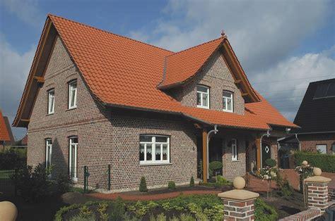 Dachueberstand Schutz Vor Wind Und Wetter by Robert Bauunternehmen Stadtlohn