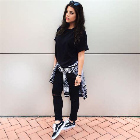 Black and White outfit with Iuter sweater Hu0026M black denim Vans old skool Instagram @myway_ | My ...