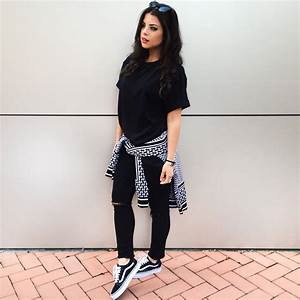 Black and White outfit with Iuter sweater Hu0026M black denim Vans old skool Instagram @myway_   My ...